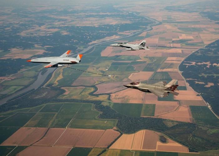 PUA havada F-35C qırıcısına yanacaq doldurub